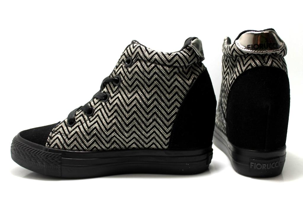 scarpe da ginnastica con zeppa adidas